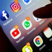 Les Seigneurs demandent des règles plus strictes pour les entreprises de technologie