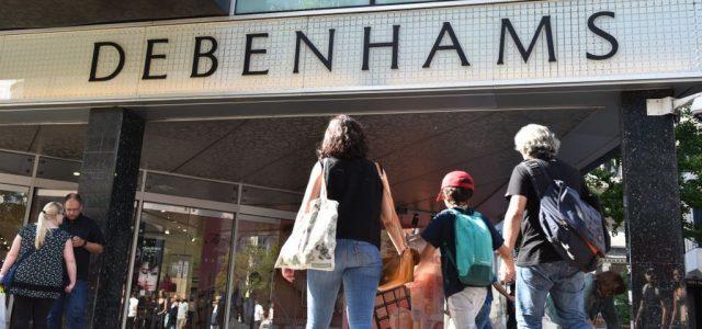 Debenhams en alerte sur les bénéfices alors que les ventes continuent de chuter