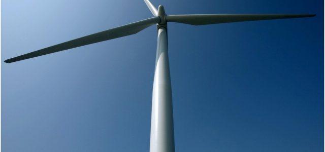 Changement climatique : Un accord gouvernemental pour stimuler l'énergie éolienne en mer