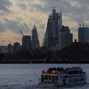 Brexit'voit les sociétés financières britanniques transférer 900 milliards de livres sterling en Europe'.