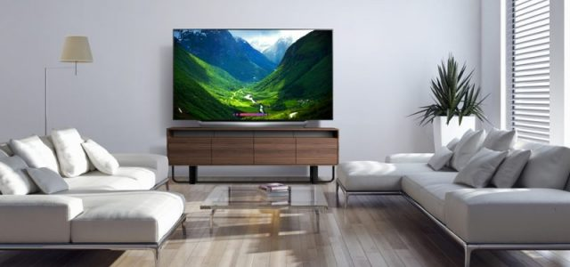 La TV LG OLED de 77» de classe vole la vedette – Obtenez votre TV LGUS dès aujourd'hui chez #BestBuy