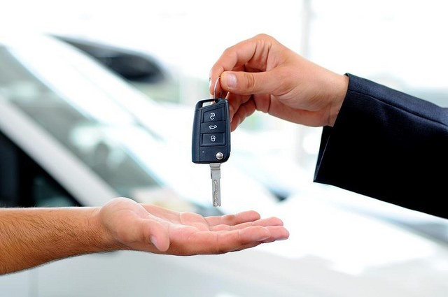 5 Safety Features to Look for in a New Car Purchase