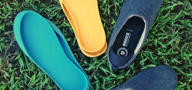 Les pantoufles Dualyz sont les pantoufles d'intérieur et d'extérieur parfaites ! #takeyourbottomsoff