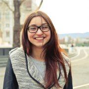 Comment votre adolescent peut être heureux de son sourire