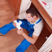 6 points à considérer avant d'embaucher un plombier ou une plombière