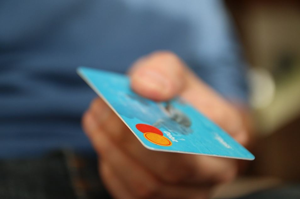 proper-credit-5-tips-to-spend-less-and-save-more