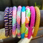 Sashka Co. Les bracelets en perles de verre sont faits avec amour ! #Back2School17