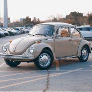 Sous le capot : comment travailler ensemble sur les voitures peut aider à créer des liens
