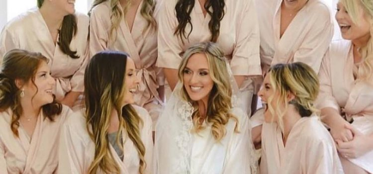 Obtenez des robes de mariée assorties pour votre fête de mariage