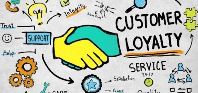 Comment les programmes de fidélisation des clients peuvent-ils permettre la communication ?