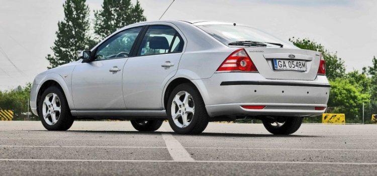 Guide d'achat d'une voiture pour les mères – Facteurs à considérer avant d'acheter une voiture d'occasion