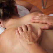 Le massage peut vous aider à surmonter les défis de la perte de poids
