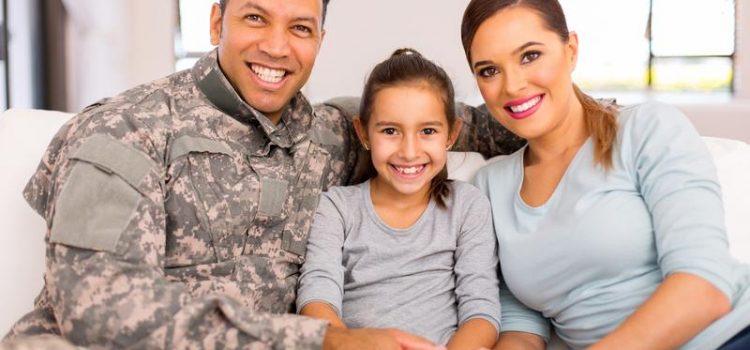 5 Piratages financiers pour aider les mères militaires à joindre les deux bouts