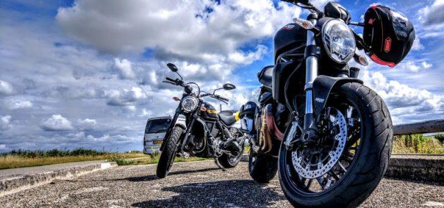Adolescent motard : 4 conseils de sécurité pour leur apprendre à conduire une moto