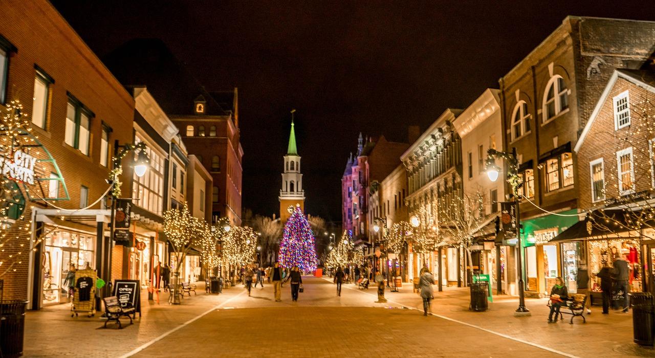 Six Ways to Enjoy a New England Christmas