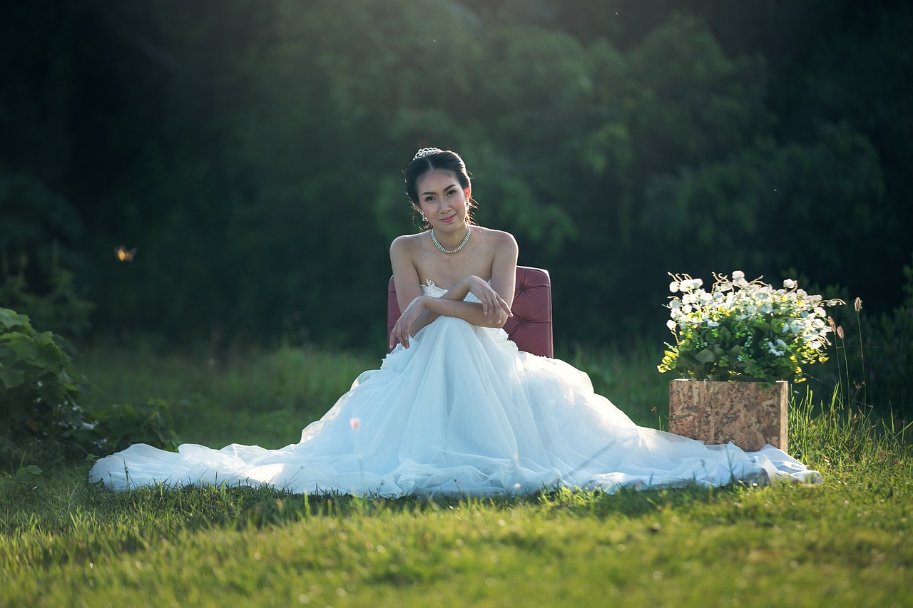 Top Four Reasons Why You Should Buy Your Wedding Dress Online